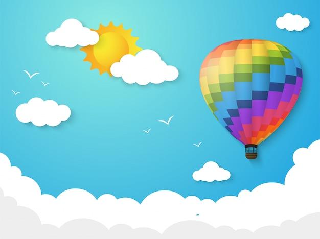 Balão colorido que flutua no céu com o sol da manhã. Vetor Premium