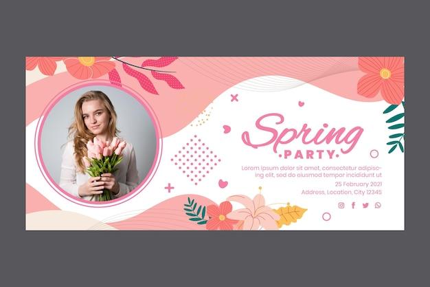 Banner horizontal para festa de primavera com mulher e flores Vetor grátis