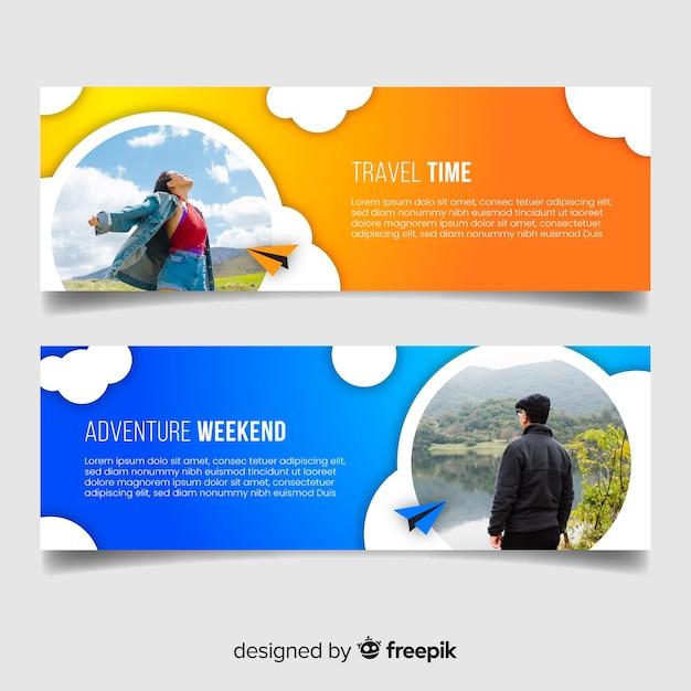 Banners coloridos para viajar aventura Vetor grátis