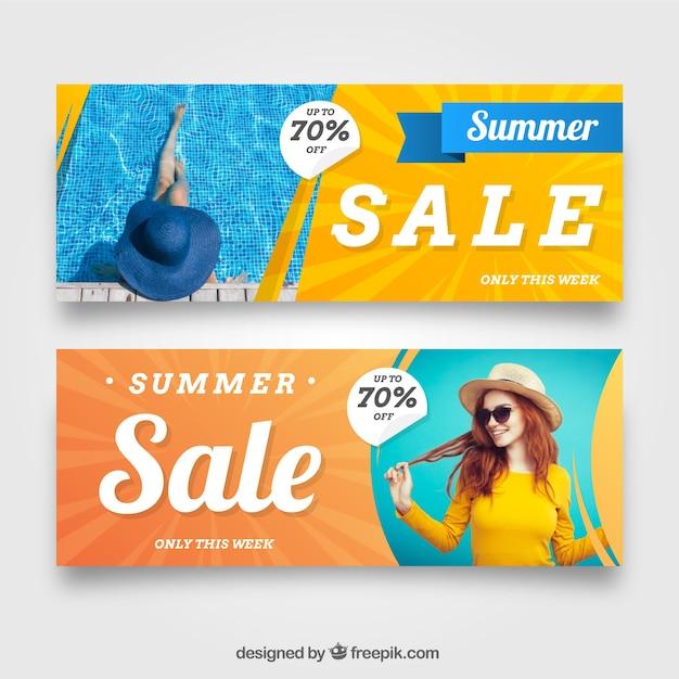 Banners de venda de verão com imagem de mulher Vetor grátis
