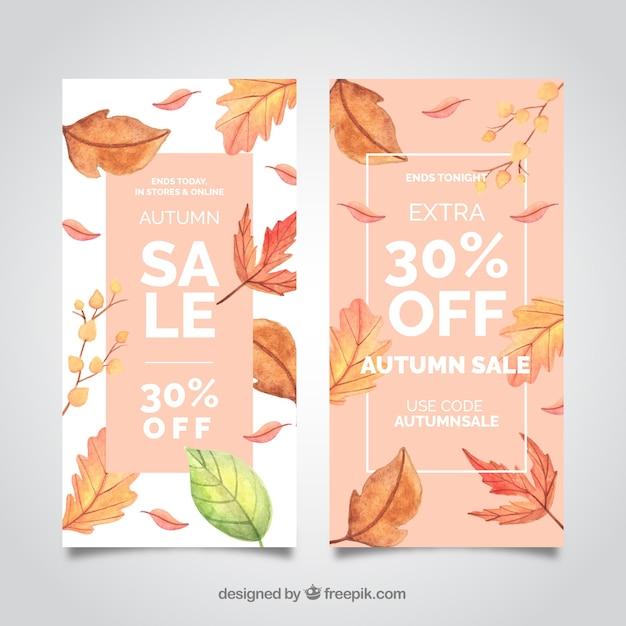 Banners de venda outono com folhas realistas Vetor grátis