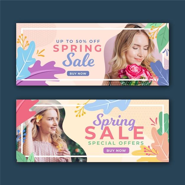 Banners de venda primavera com mulher e flores Vetor grátis