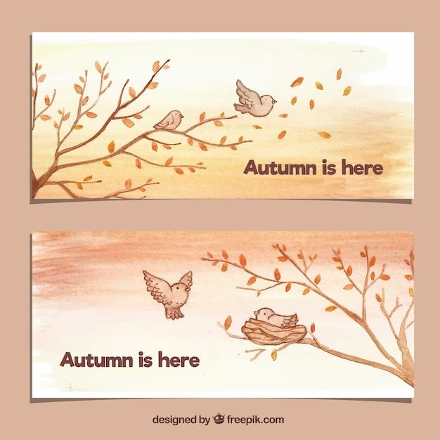 Banners lindos de outono com pássaros e árvores Vetor grátis