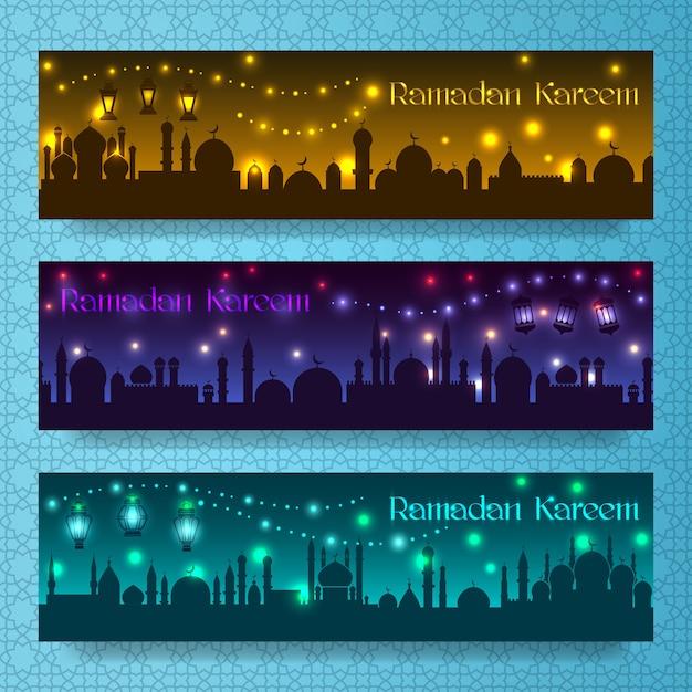 Banners para ramadan kareem e eid com feriado noturno na cidade árabe Vetor grátis