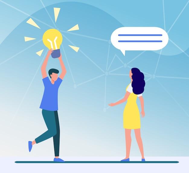 Cara compartilhando uma ideia brilhante com um amigo, namorada ou colega. homem segurando ilustração em vetor plana lâmpada brilhante. encontrar, descobrir Vetor grátis