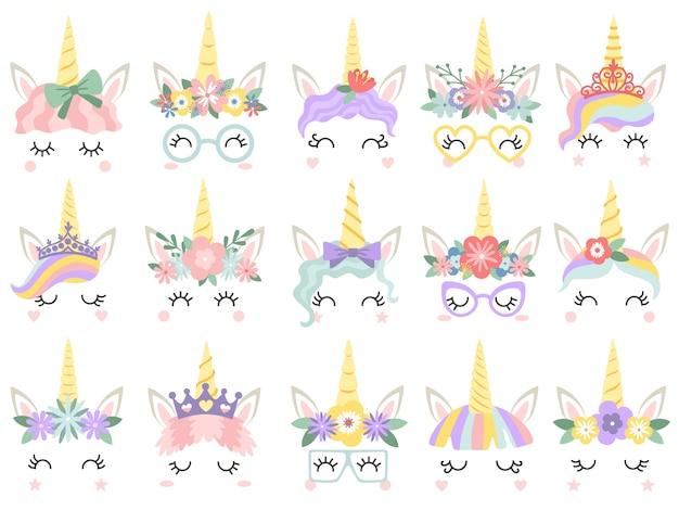 Cara de unicórnio. rostos de unicórnios lindo pônei, chifre mágico na coroa de flores de arco-íris e cílios bonitos conjunto de ilustração vetorial Vetor Premium