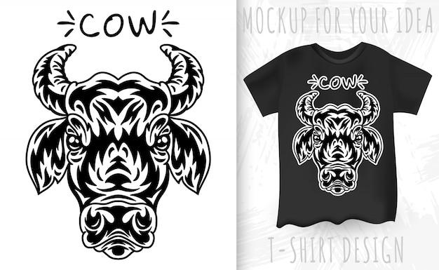 Cara de vaca e camiseta no estilo monocromático vintage Vetor Premium