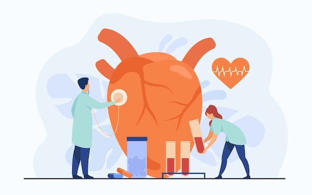 Cardiologistas examinando o coração com estetoscópio e amostras de sangue em tubos de laboratório entre comprimidos e diagrama de batimento cardíaco. ilustração vetorial para cardiologia, exame médico, conceito de doença cardíaca Vetor grátis