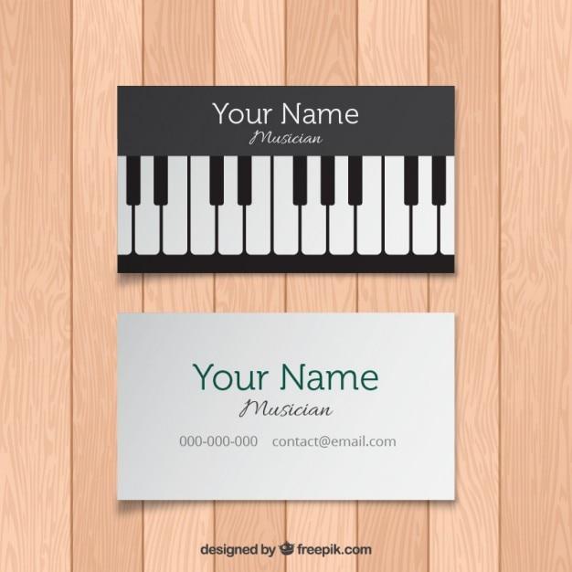 Cartão com teclas de piano Vetor grátis