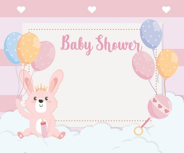 Cartão de animal coelho cute com balões Vetor grátis