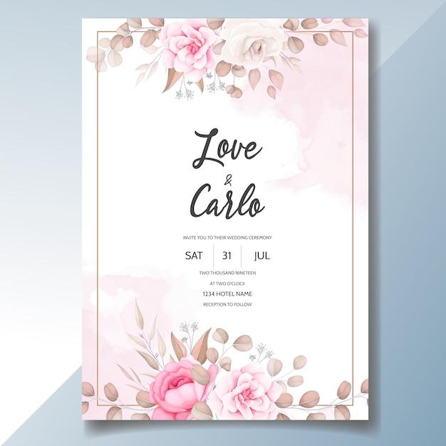 Cartão de convite de casamento com lindos enfeites de flores Vetor grátis