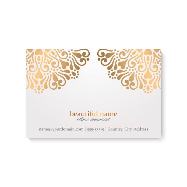 Cartão de visita de mandala dourada ornamental de luxo Vetor Premium