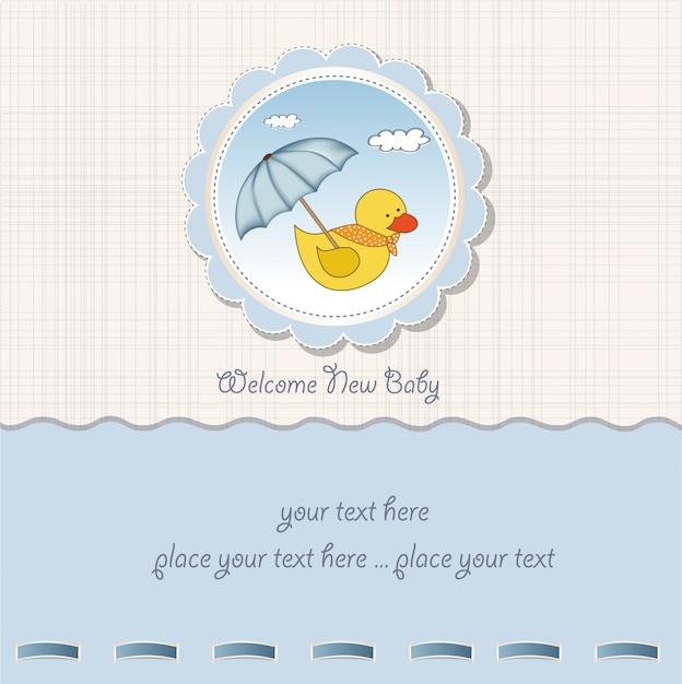 Cartão do chuveiro de bebê com brinquedo de pato Vetor Premium