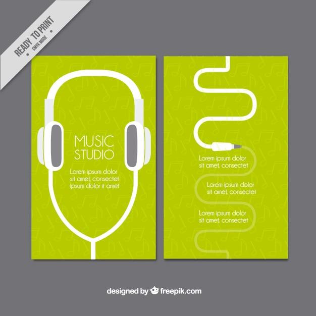 Cartão verde da música estudo com fones de ouvido Vetor grátis