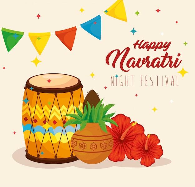 Cartaz de celebração feliz navratri, festival noturno e decoração Vetor Premium