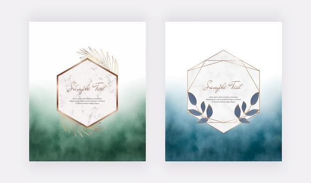 Cartões em aquarela de pincelada de azul e verde com molduras de mármore geométricas com folhas. Vetor Premium