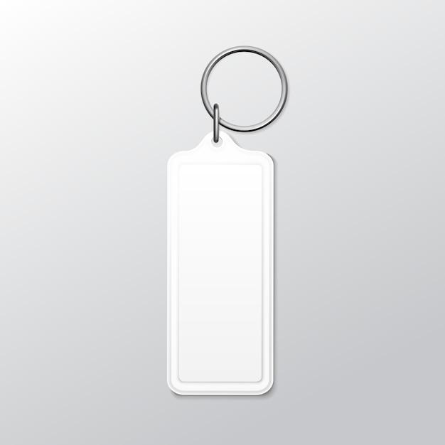 Chaveiro quadrado em branco com anel e corrente para chave isolado no fundo branco Vetor Premium