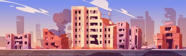 Cidade destruída em zona de guerra, edifícios abandonados com fumaça. consequências de destruição, desastre natural ou cataclismo, ruínas pós-apocalípticas do mundo com estrada quebrada e ilustração de desenho animado de rua Vetor grátis