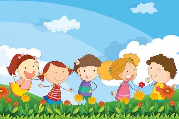 Cinco adoráveis crianças brincando no jardim Vetor grátis