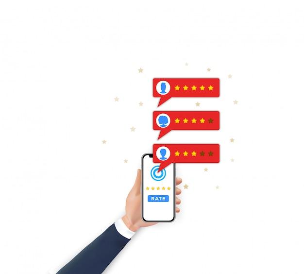 Classificação de avaliação do cliente no celular. mão segurando o smartphone, estrelas de taxa de avaliações de aplicativos móveis Vetor Premium