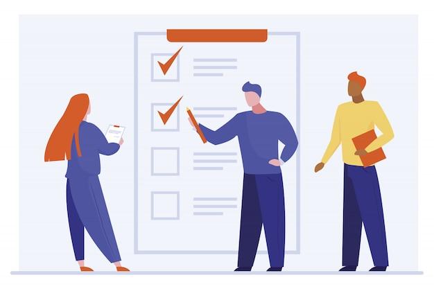 Cliente preenchendo formulário de pesquisa Vetor grátis