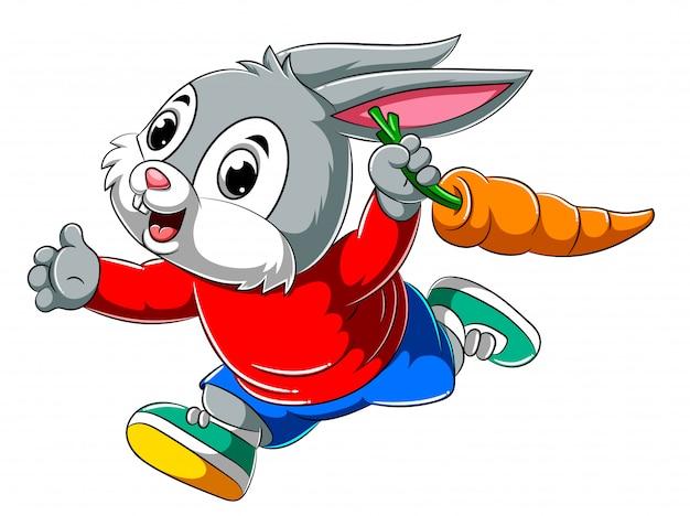 Coelho feliz dos desenhos animados, correndo e segurando a cenoura grande Vetor Premium