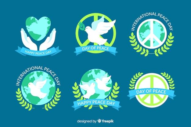 Coleção de distintivo design plano dia da paz Vetor grátis