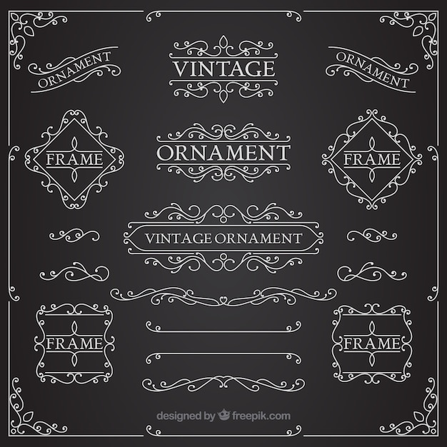 Coleção de enfeite vintage com estilo de quadro-negro Vetor grátis