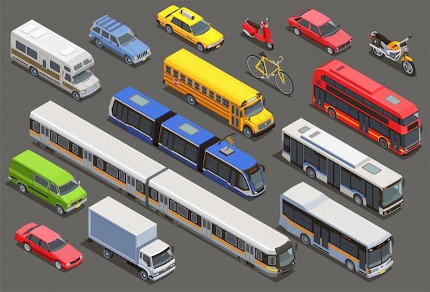 Coleção isométrica de transporte público na cidade com imagens isoladas de bicicletas de carros particulares e transporte municipal Vetor grátis