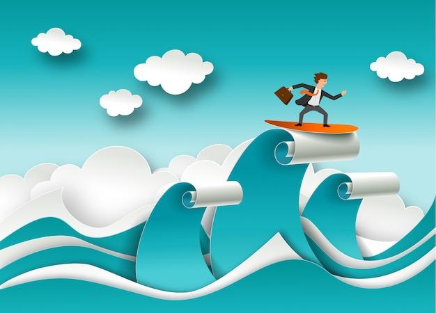 Conceito de sucesso nos negócios em estilo de arte em papel. empresário surfando no topo da onda. ondas do mar e nuvens de corte de papel Vetor Premium