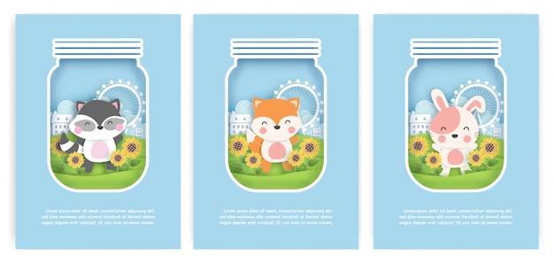 Conjunto de cartões de aniversário, cartões de chuveiro de bebê com guaxinim bonitinho, raposa e coelho no jardim girassol em estilo de corte de papel. Vetor Premium