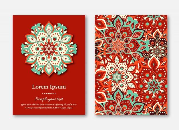 Conjunto de cartões, folhetos, brochuras, modelos com mão desenhada manda Vetor Premium