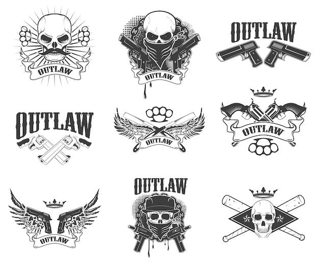 Conjunto de crânios de gangster isolado no fundo branco. bandido. asas com arma. elemento de design para impressão de t-shirt, cartaz, adesivo. Vetor Premium