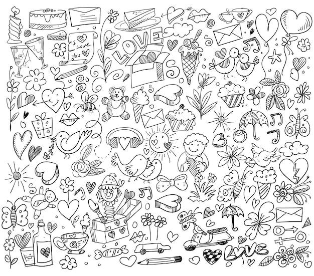 Conjunto de diferentes desenhos de desenhos de corações de doodle Vetor grátis