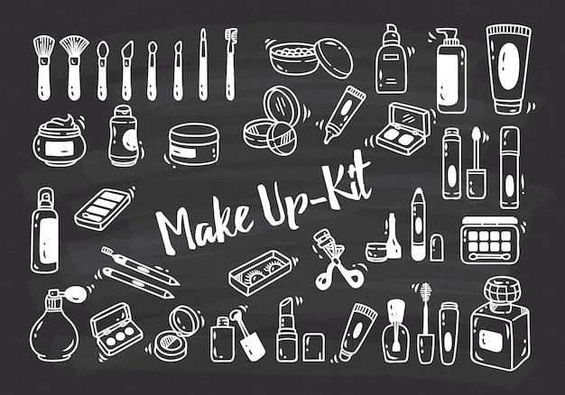 Conjunto de doodle de kit de maquiagem Vetor Premium