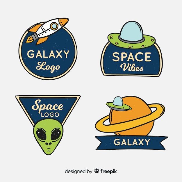 Conjunto de elementos desenhados à mão de adesivos de espaço Vetor grátis