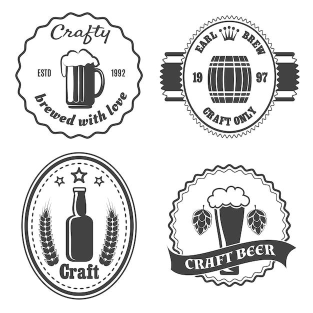 Conjunto de emblemas de cervejaria artesanal, Vetor grátis