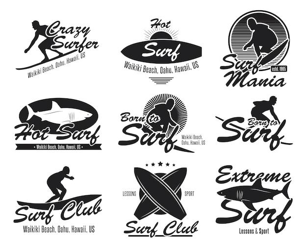 Conjunto de emblemas planos diferentes do clube de surf. logotipo preto ou sinais com prancha de surf, surfista, tubarão, coleção de ilustração vetorial de onda. verão, viagens, havaí e design Vetor grátis