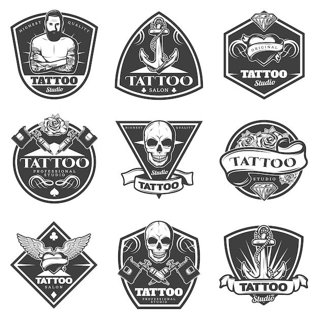 Conjunto de etiquetas de salão de tatuagem monocromática Vetor grátis