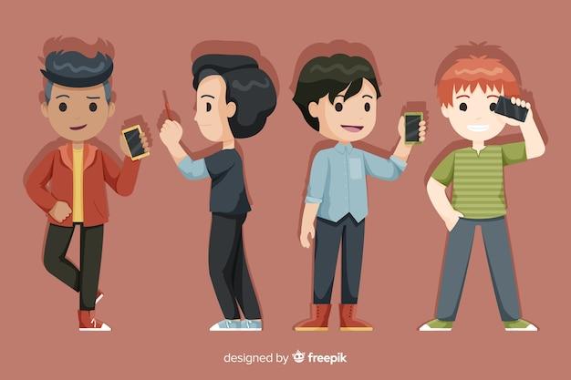 Conjunto de jovens rapazes segurando smartphones Vetor grátis
