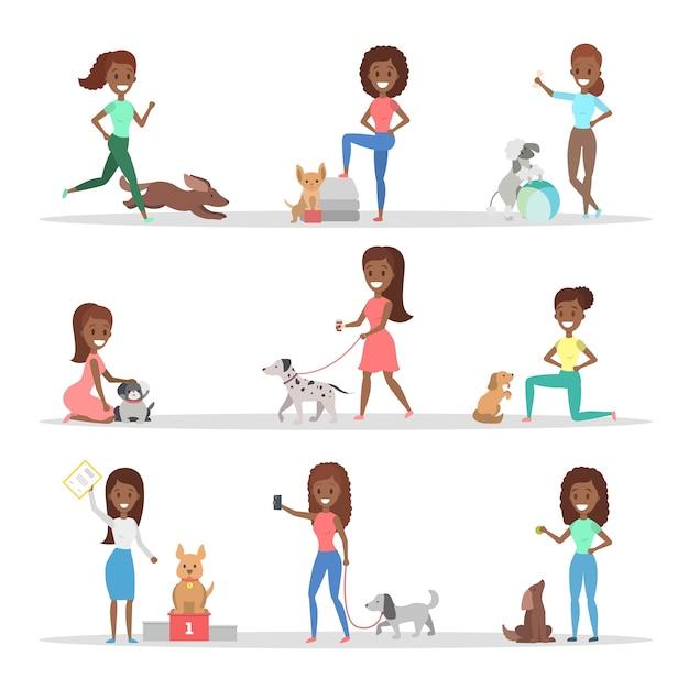 Conjunto de mulheres caminhando, brincando e treinando seus cachorros fofos. meninas cuidando dos animais de estimação. ilustração Vetor Premium