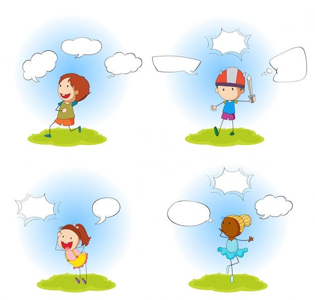 Conjunto de quatro crianças com bolhas do discurso Vetor grátis