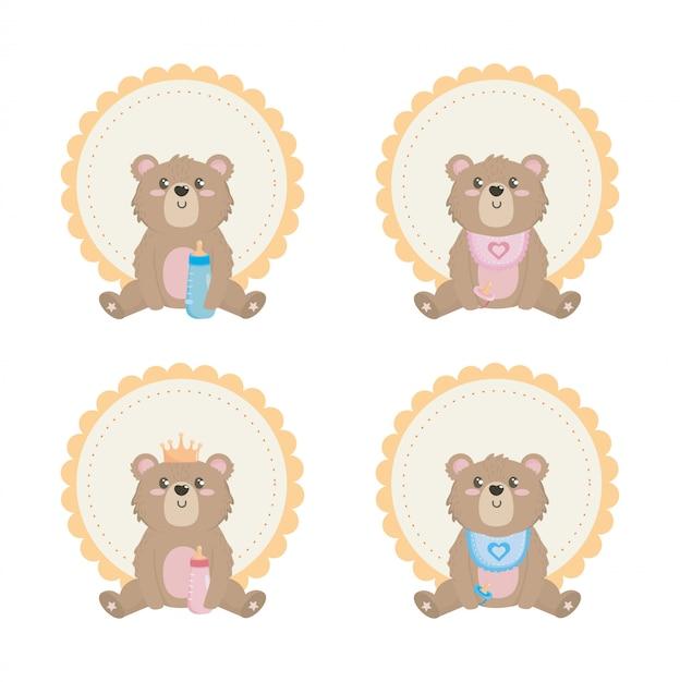 Conjunto de ursinho de pelúcia com etiqueta e decoração Vetor grátis