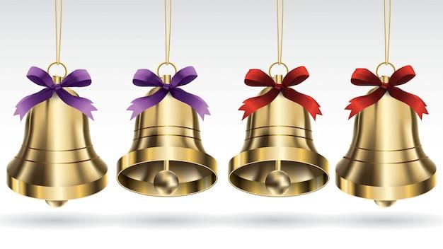 Conjunto de vector sinos de natal ouro com fita e pendurado com pose de anjo diferente. isol Vetor Premium