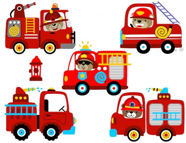 Conjunto de vetores de desenhos animados de motor de fogo com motorista engraçado Vetor Premium