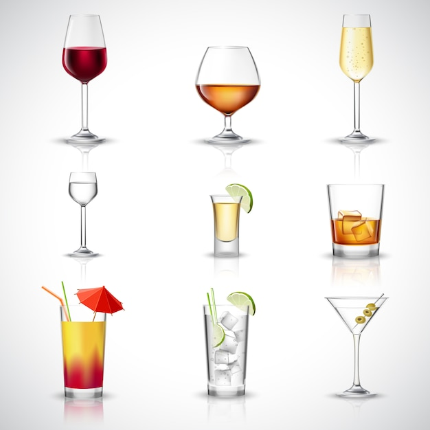 Conjunto realista de álcool Vetor grátis