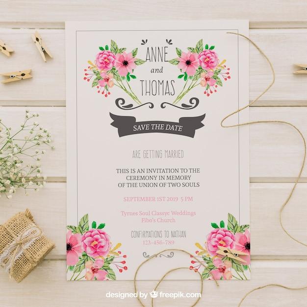 Convite de casamento com flores de aguarela Vetor grátis