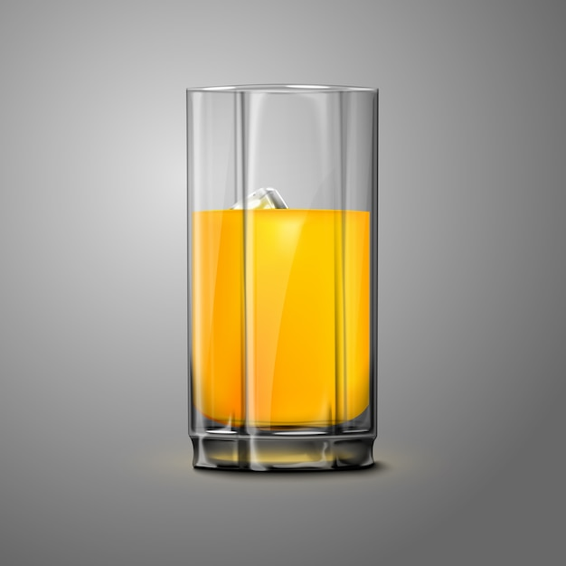 Copo de suco de laranja realista com gelo isolado em fundo cinza Vetor Premium