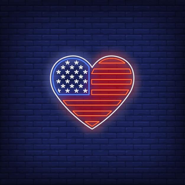 Coração em forma de sinal de néon de bandeira americana Vetor grátis