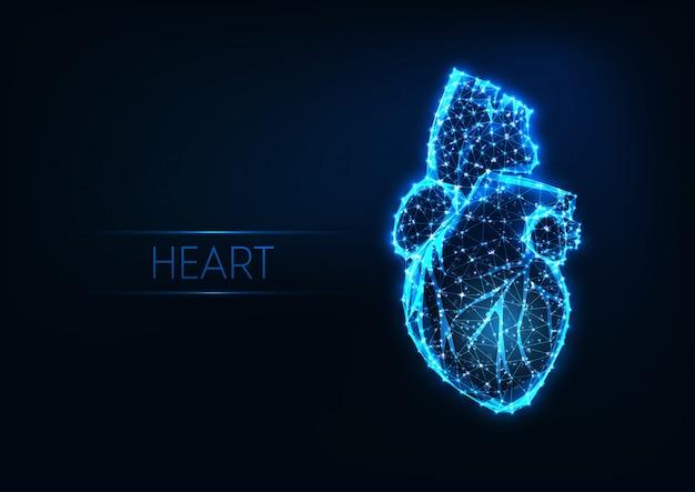 Coração humano poligonal brilhante futurista baixo isolado Vetor Premium